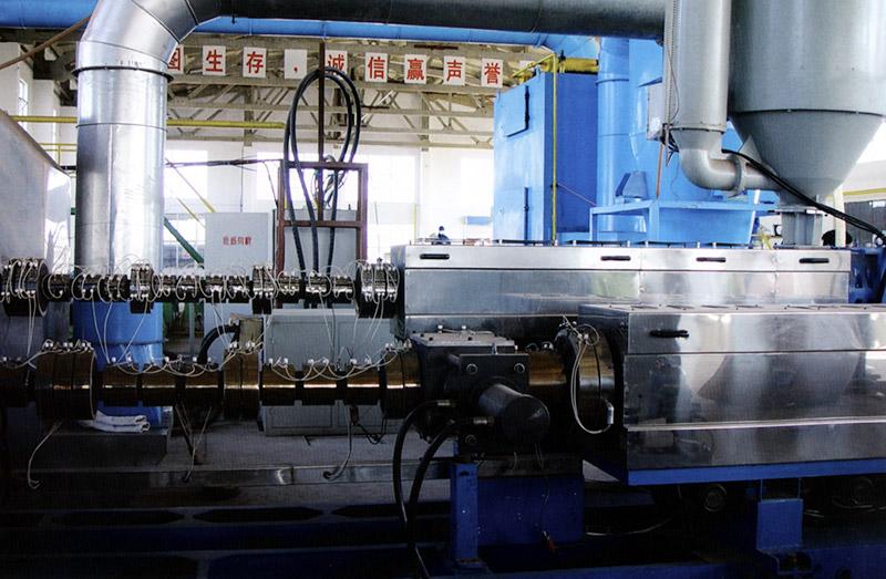 聚乙烯挤塑机组